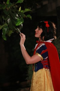 snow white happydaysentertainment.com 1